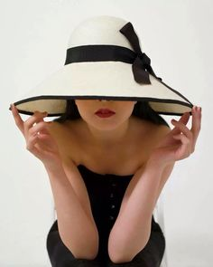 10 Hottest Women s Hat Trends for Summer 2019 1f9eff185fb6