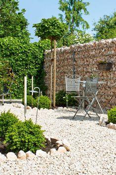 Kies passend zu Gabionensteine im Garten