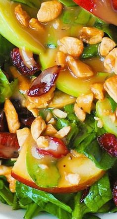 Apple Cranberry Spinach Salad with Cashews and Balsamic Vinaigrette Apfel-Cranberry-Spinat-Salat mit Cashewnüssen und Balsamico-Vinaigrette Healthy Salad Recipes, Healthy Snacks, Vegetarian Recipes, Healthy Eating, Cooking Recipes, Ramen Recipes, Cooking Pork, Kitchen Recipes, Salad Bar