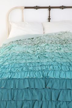 Fresh Tiffany Blue Duvet Covers Suitable for Great House Ruffle Duvet, Blue Duvet, Ruffles, Duvet Covers Urban Outfitters, Teen Girl Bedrooms, Quilt Cover, New Room, Cottage Chic, Bed Spreads