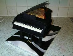 Realistic looking Piano cake.JPG