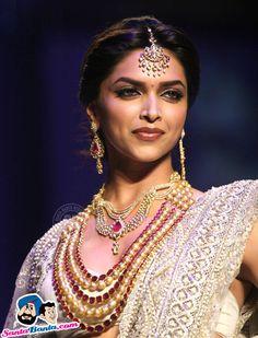 Deepika Padukone at india international jewellery week