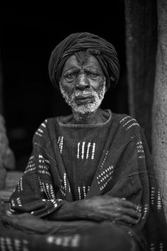 "Africa | ""One of the very last Hogons"" - Dogon medicinal and ritual specialist, Mali. 
