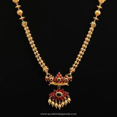 Gold ruby short necklace from d.r jewellers women's fashion бисер, у Pearl Necklace Designs, Gold Earrings Designs, Gemstone Necklace, Necklace Set, Gold Bangles Design, Gold Jewellery Design, Silver Jewellery, Antique Jewellery Designs, Antique Jewelry