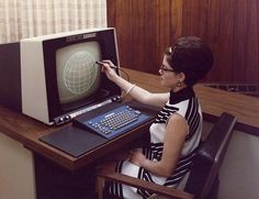 Atompunk, retro-futurism, raygun gothic, jet-age, space-age and midcentury. Alter Computer, Computer Love, Computer Technology, Computer Science, Pc Photo, Retro Arcade, Old Computers, Design Reference, Retro Vintage