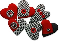 Love these -- wish I had a clue how to make the houndstooth. So chic.