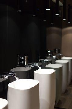 Useful Walk-in Shower Design Ideas For Smaller Bathrooms – Home Dcorz Washroom Design, Toilet Design, Bathroom Toilets, Small Bathroom, Bathroom Ideas, Washbasin Design, Walk In Shower Designs, Public Bathrooms, Restaurant Interior Design