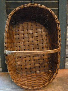 Search over hundreds individual dealers' antiques websites for Americana, Country and Folk Art antiques making it easy for find just what you are looking for. Old Baskets, Vintage Baskets, Wicker Baskets, Rustic Baskets, Picnic Baskets, Primitive Antiques, Country Primitive, Cheese Baskets, Painted Baskets