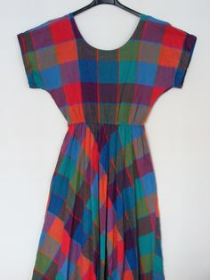 1970s multi-color summer dress with back detail