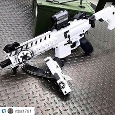 "319 Likes, 7 Comments - Recoil Addict (@recoil_addict) on Instagram: ""Big Brother and Little Brother  #RecoilAddict  #Repost @rtba1791 ・・・ By @weaponsfanatic  Sig Sauer…"""