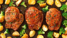 Sirloin Steak with Garlic Butter (Pan Seared) - TipBuzz Slow Cooker Bacon, Slow Cooker Recipes, Crockpot Recipes, Cooking Recipes, Sweet N Sour Chicken, Honey Garlic Chicken, Cola Chicken, Pork Chop Recipes, Chicken Recipes