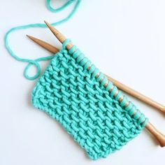 le point d'étamines – the slip stitch honeycomb – tricot - Strickmuster für Babys Knitting Stitches, Knitting Patterns, Crochet Patterns, Crochet Round, Knit Crochet, Different Stitches, Knit Dishcloth, Labor, Knit Fashion