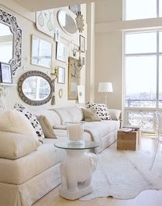 Mirrors, Mirrors, and more Mirrors design interior design de casas Mirror Gallery Wall, Beautiful Mirrors, Beautiful Interior Design, Home And Deco, Living Spaces, Living Rooms, Interior Decorating, Interior Ideas, Sweet Home