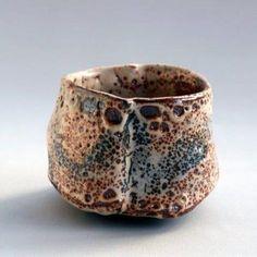 Jean-Pol Urbain Japanese Porcelain, Japanese Ceramics, Japanese Pottery, Modern Ceramics, Ceramic Bowls, Ceramic Pottery, Matcha Bowl, Japanese Tea Ceremony, Pottery Sculpture