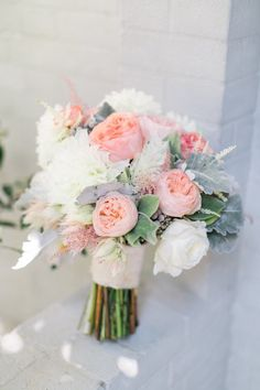 Stunning wedding bouquet idea; photo: Troy Grover Photographers