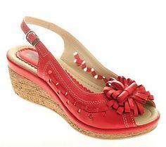 I think these are so cute for a comfort shoe!