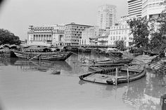 OLD BUMBOATS AND TONGKANGS A THE SINGAPORE RIVER Straits Settlements, River Mouth, Singapore Photos, Coventry, The Past, Chinese, Boat, Journal, Island