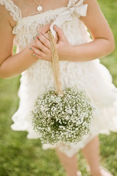 Love! This is so cute for a #flowergirl at a #rustic #outdoor #wedding {Lissa Anglin Photography}