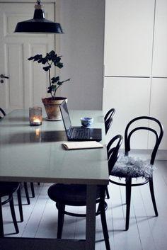 Scandinavian Minimalistic Dining Room | #connox #beunique