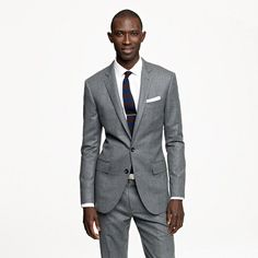 Ludlow two-button suit jacket with double-vented back in Italian wool flannel