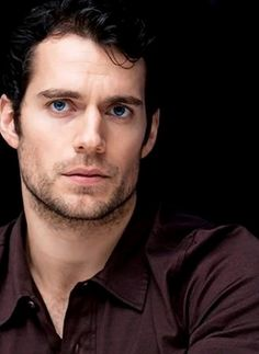Probably my favorite picture EVER of Henry Cavill.
