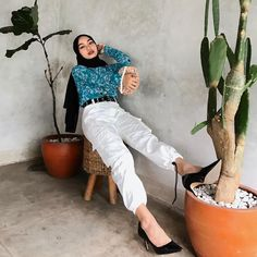 Hijab Fashion, Capri Pants, Ootd, Capri Trousers, Street Hijab Fashion