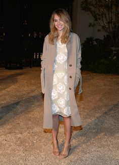 Suki Waterhouse in Burberry 'London In Los Angeles' Event - Red Carpet - Celebrity Fashion Trends
