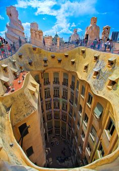Casa Mila in Barcelona (Spain) amazing architectural work of architect Antoni Gaudi. This home was built for family Casa Mila and last job of the architect. Architecture Art Nouveau, Beautiful Architecture, Unusual Buildings, Amazing Buildings, Famous Buildings, Modernisme, Antoni Gaudi, Belle Villa, Spain And Portugal