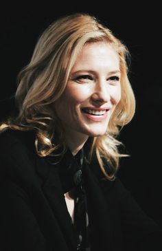 Cate Blanchett www. Cate Blanchett, Celebrities With Cats, Celebs, Most Beautiful Women, Beautiful People, Australian Actors, Female Fighter, Holiday Hairstyles, Hollywood