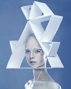 Alienesque Paper Accessories Federica Roncaldier's ULTRATERRENA Series is Exquisitely Surreal