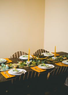 How to Set a Beautiful Thanksgiving Table on a Budget — Push Your Pennies