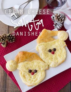This Cream Cheese Santa Danish pastry is a super fun breakfast idea for Christmas! So easy!