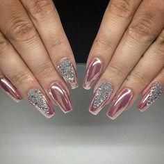 Pretty #PinkChrome by @svnails featuring our #ChromePowder! Shop for it at DAILYCHARME.COM✨✨ Pearl Nails, Rose Gold Nails, Metallic Nails, Sparkle Nails, Bling Nails, Metallic Colors, Nail Art Designs, Acrylic Nail Designs, Cute Nails