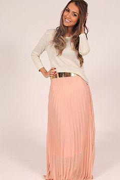 Para uma linda mulher se vestir com modéstia.