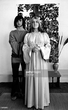 Mike Oldfield with his sister Sally Oldfield Mike Oldfield, Psychedelic Bands, Call Art, Dark Star, Progressive Rock, Classical Music, Rock Music, Sally, Musicals