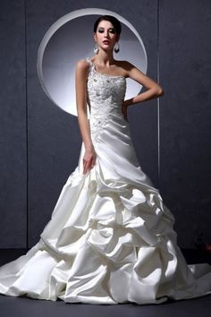 spanish wedding dress..I suppose I could just get married while I\'m ...