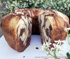 Hoy es el día ideal para hacer esta torta marmolada de vainilla y chocolate muy fácil y mucho más rica de lo que te imaginás. Yo la cociné en un molde savarín Pan Dulce, Baby Food Recipes, Sweet Recipes, Cooking Recipes, Bunt Cakes, Cupcake Cakes, Savarin, Plum Cake, Recipe For 4