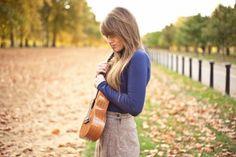 Brighton based musician Sophie Madeline is 'bringing the Ukulele back'! http://www.indigits.net/musicians10/sophie-madeleine/