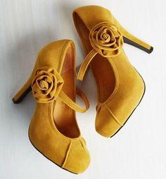 Lace Up Heels, Pumps Heels, Stiletto Heels, High Heels, Suede Pumps, Louboutin Pumps, 1950s Fashion Shoes, Fashion Accessories, Retro Fashion