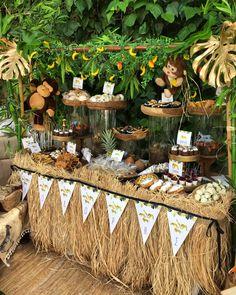 Giraffe Birthday Parties, Safari Theme Birthday, Boys First Birthday Party Ideas, Jungle Theme Parties, Wild One Birthday Party, Jungle Party, Safari Party, Safari Candy Table, Safari Decorations