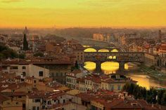 Wonderful view of the #sunset at #Florence , #Italy .
