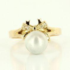 Fine Estate 14 Karat Yellow Gold Cultured Pearl Diamond Bow Ring