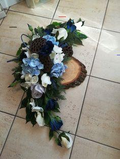 White Floral Arrangements, Funeral Flower Arrangements, Floral Bouquets, Floral Wreath, Grave Flowers, Cemetery Flowers, Funeral Flowers, Wedding Car Decorations, Grave Decorations