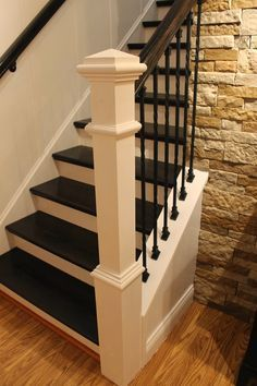 Step-by-step tutorial on how to remodel a carpeted staircase into one with wooden treads and iron balusters ( Parents house) Best Flooring For Basement, Basement Stairs, Basement Ideas, Stairwell Wall, Basement Bathroom, Iron Balusters, Banisters, Railings, Stair Spindles