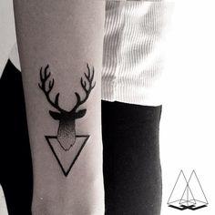 #tattoo #geometrictattoo #deertattoo #inked #triangle #dotwork #dotworktattoo #blackworktattoo #ink #linework #tattoos #tattoostagram #onlyblackart #tattrx #mentatgamze