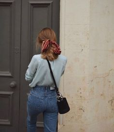 high waisted girlfriend jeans with a light blue blouse and a red bandana ponytai… - Hair Style School Fashion, Fashion 2018, Look Fashion, Autumn Fashion, Fashion Brands, Vintage Fall Fashion, French Style Fashion, Whimsical Fashion, Feminine Fashion