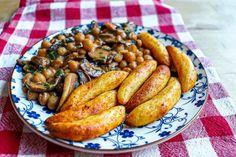Mancare de naut cu ciuperci si galuste de cartofi - Ama Nicolae Lidl, Sausage, Meat, Food, Sausages, Essen, Meals, Yemek, Eten