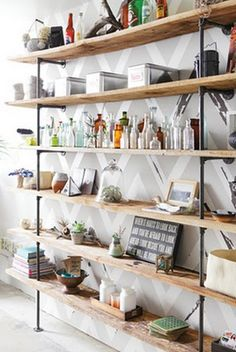 I have a special place in my heart for shelves & organization... love this!