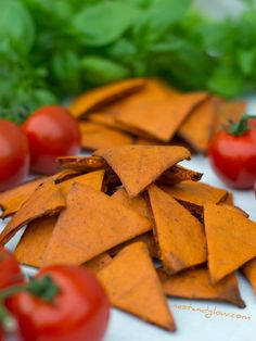 Tomato and Basil Lentil Chips Recipe [Oil-free and Healthy] Lentil Chips Recipe, Lentil Recipes, Vegan Recipes, Free Recipes, Alkaline Recipes, Healthy Meals For Two, Healthy Baking, Healthy Foods To Eat, Healthy Snacks