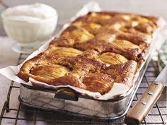 Apfel-Zimtkuchen Apple Cinnamon Cake, Cinnamon Apples, Apple Cake, Vegan Clean, Low Carb Desserts, Cake Cookies, Cupcakes, Food Inspiration, Baking Recipes